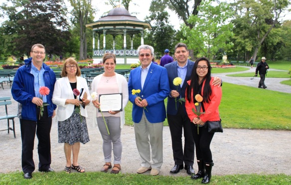 Suellen Murray's family: her brother, her mother Janet, father Dr. Jock , husband Byron Rafuse and daughter Lucy Murray Rafuse, stand with Amy Soosaar-Joseph at the Halifax Public Gardens